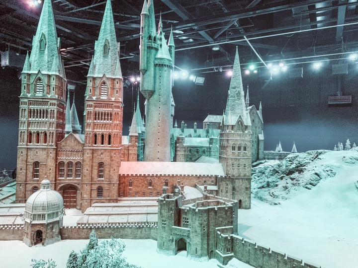 HOGWARTS IN THE SNOW.
